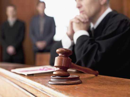 В Орске суд разрешил отцу видеться с ребенком