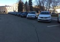 Губернатор Алексей Дюмин протестировал «Делимобиль»