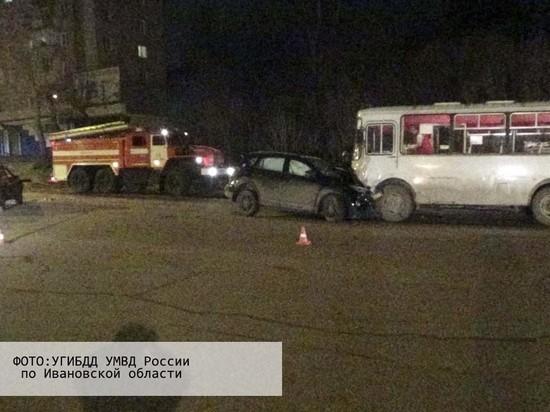 В Кинешме, в «тройной» аварии с участием автобуса, пострадали три человека