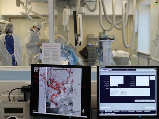 Врачи челябинской областной больницы спасли пациента с разрывом аневризмы