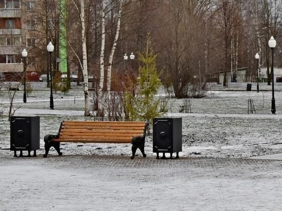 К весне в Кирове установят около 70 новых скамеек и более 200 новых урн