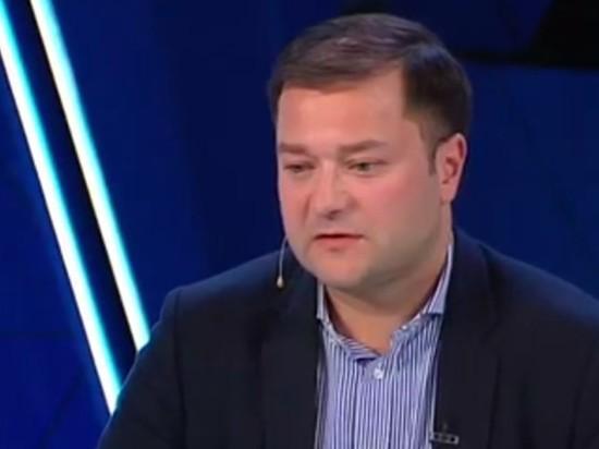 Участник ток-шоу Скабеевой политик Никита Исаев скончался в поезде