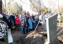 Матери Анастасии Ещенко стало плохо на кладбище