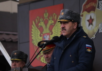 Замминистра обороны Евкуров встретился с курсантами Рязанского училища ВДВ