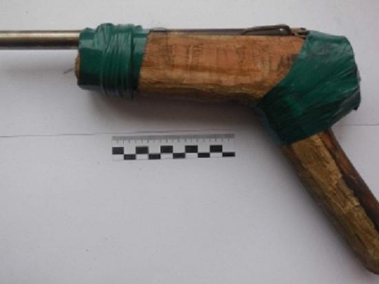 В калмыцкой степи задержан пенсионер с самострелом