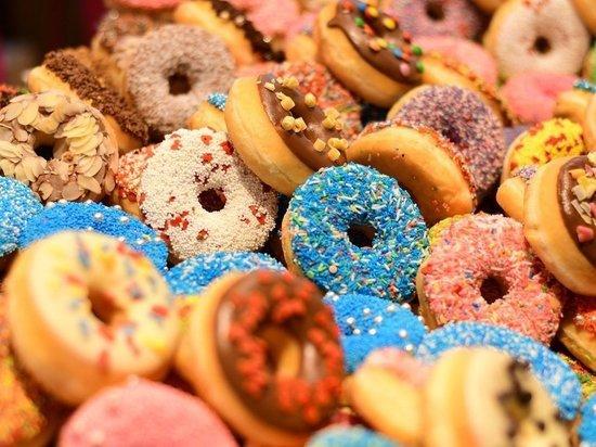 Диетолог назвала сладости, опасные для человека