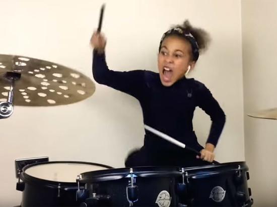 Девятилетняя барабанщица привела в восторг пользователей сети треком Нирваны