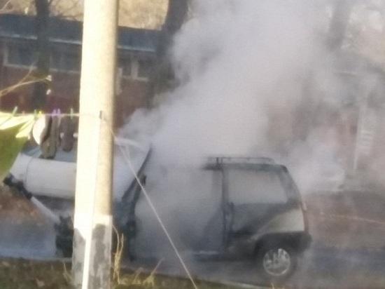 В Ростовской области сгорела машина