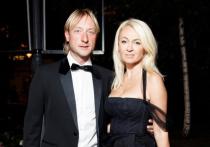 Рудковская прокомментировала слухи об измене Плющенко
