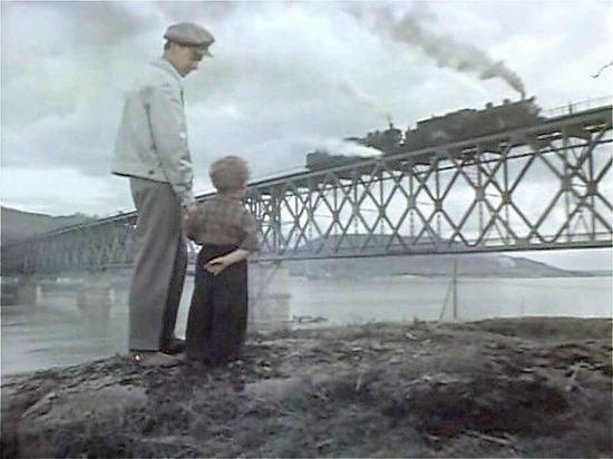 Путин одобрил мост через Лену: на Ангаре мост пришлось взорвать