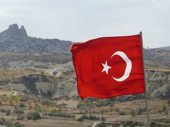 Турция пригрозила возобновить операцию в Сирии
