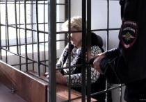 50-летняя волгоградка обвиняется в серии краж и мошенничестве