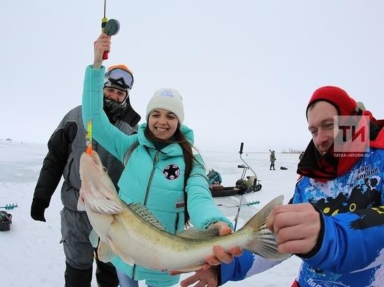 МЧС РТ предупредил об опасных участках для зимней рыбалки