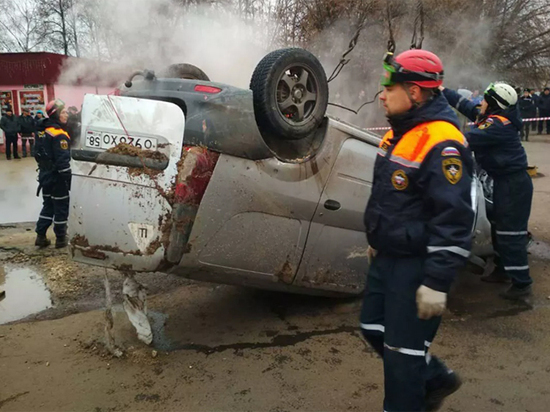 Установлены личности жертв падения машины в яму с кипятком в Пензе