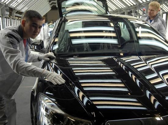Выпуск легковых автомобилей в октябре упал на 8%