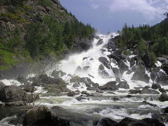Россия – большая и полная чудес, сотворенных природой, страна