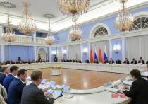 Дмитрий Медведев и белорусский премьер Сергей Румас во вторник в очередной раз решали, «на хрена», как выразился на днях батька, России и Белоруссии нужно Союзное государство