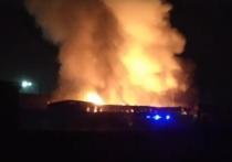 Крупный пожар тушат в Авиационном переулке в Чите