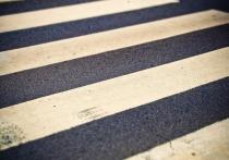 Жительница Салехарда просит построить пешеходный переход у школы № 4