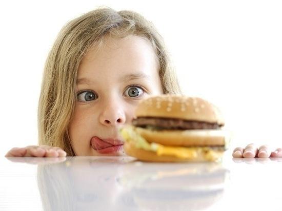 Что вредного едят наши дети и как за это расплачиваются?