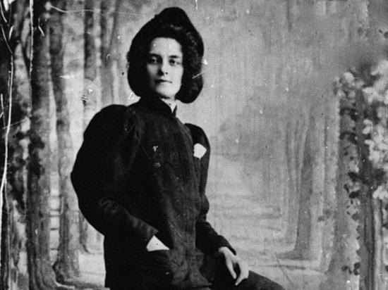 Зинаида Гиппиус: поэтесса, едва не бросившая стихи из-за Мережковского