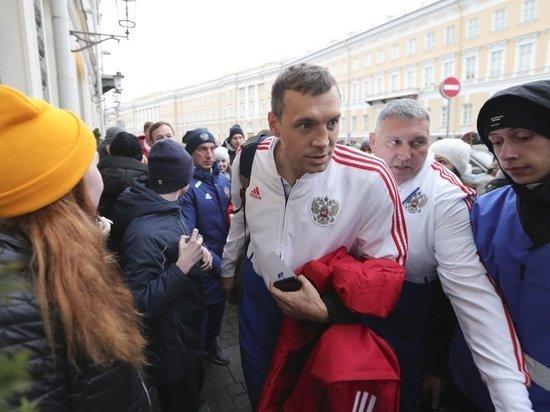 Дзюбу оскорбили болельщики сборной России - им же хуже