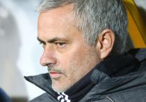Экс-наставник «Челси» и «Манчестер Юнайтед» Жозе Моуринью вернулся в АПЛ! Португалец до сезона-2022/23 будет тренировать «Тоттенхэм». Только вот, кажется, приходу Жозе не очень рады — пять лет назад он говорил, что не будет тренировать клуб из-за любви к болельщикам «Челси».