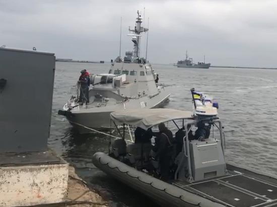 """Украина опубликовала список """"украденного"""" с возвращенных кораблей"""