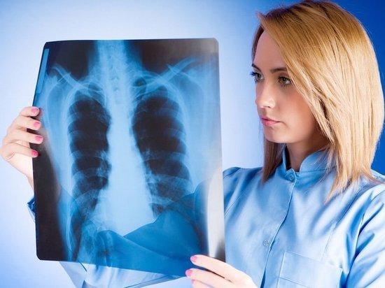 Маму двух детей в Петербурге принудительно отправили лечиться от туберкулеза