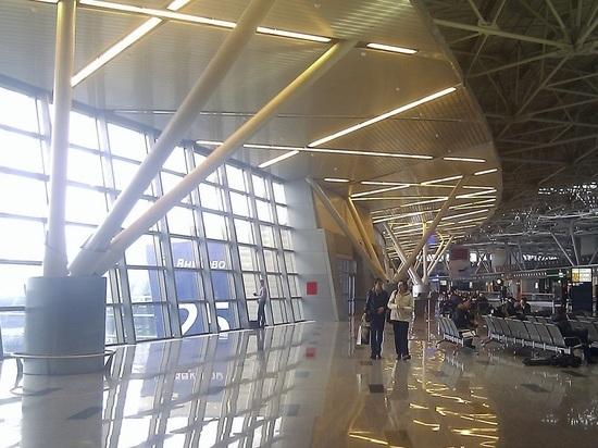 При посадке во Внуково у Boeing разрушилась стойка шасси