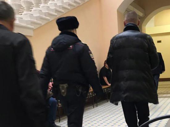 Установлена личность вооруженного мужчины, задержанного на журфаке МГУ