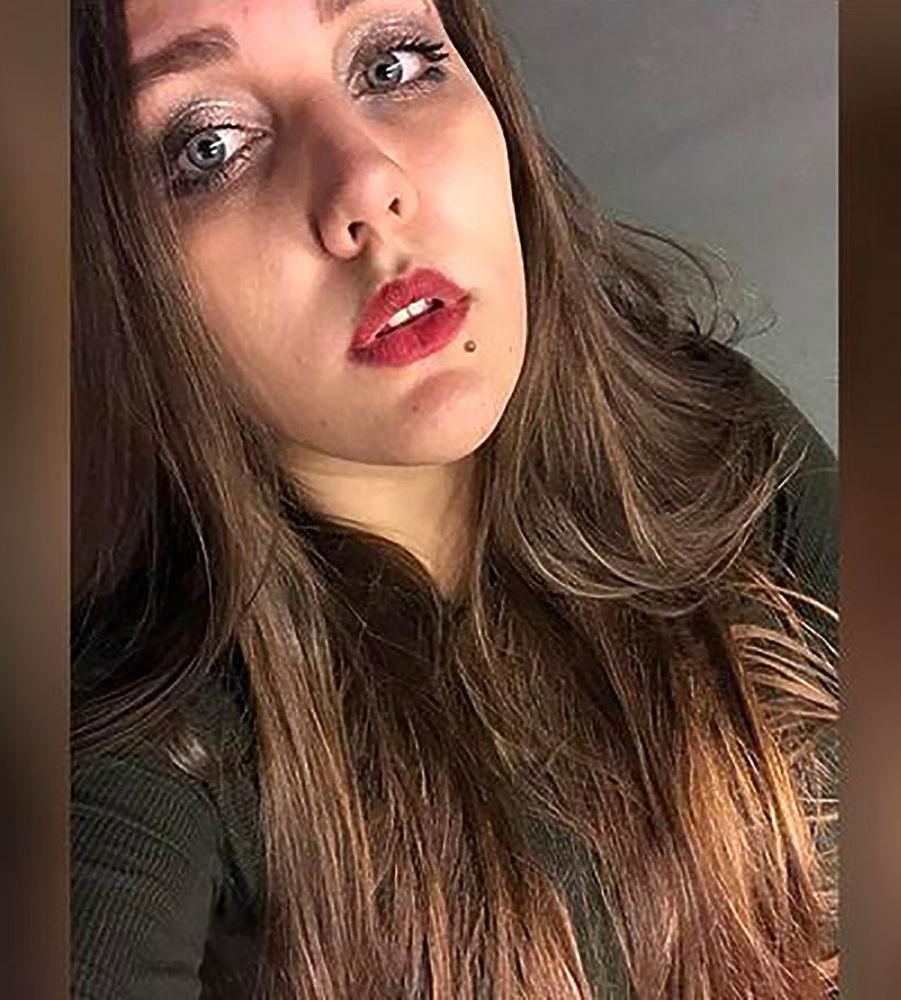 Молодую учительницу уволили из петербургской школы за твитты про секс и пиво