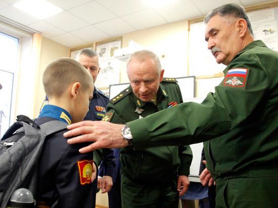 Общественный совет при Минобороны РФ посетил Петрозаводское президентское кадетское училище