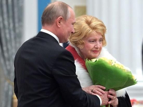 Песков подтвердил факт разговора Путина с Дорониной о МХАТе