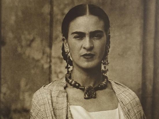 Эксперт оценил рекорд продажи с аукциона картины Фриды Кало