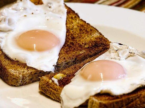 Диетолог назвала самый вредный завтрак