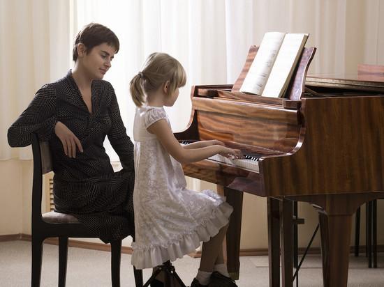 Камчатские дети сыграют на новых роялях