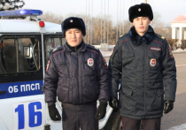 В Улан-Удэ полицейские в одном доме уняли дебошира и потушили пожар