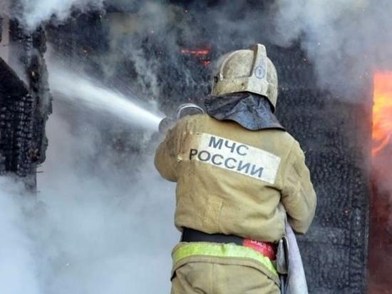 Пожарные Хакасии спасли пенсионерку из горящего дома и потушили 10 пожаров