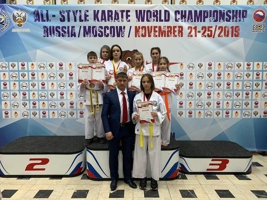 Четырнадцать медалей завоевали каратисты Железноводска