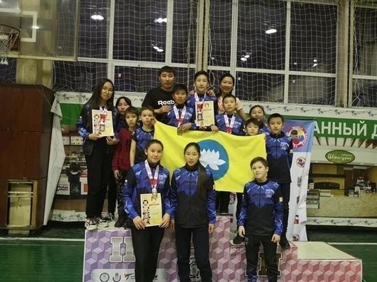 Калмыцкие каратисты завоевали шесть медалей на турнире «Кубок памяти»