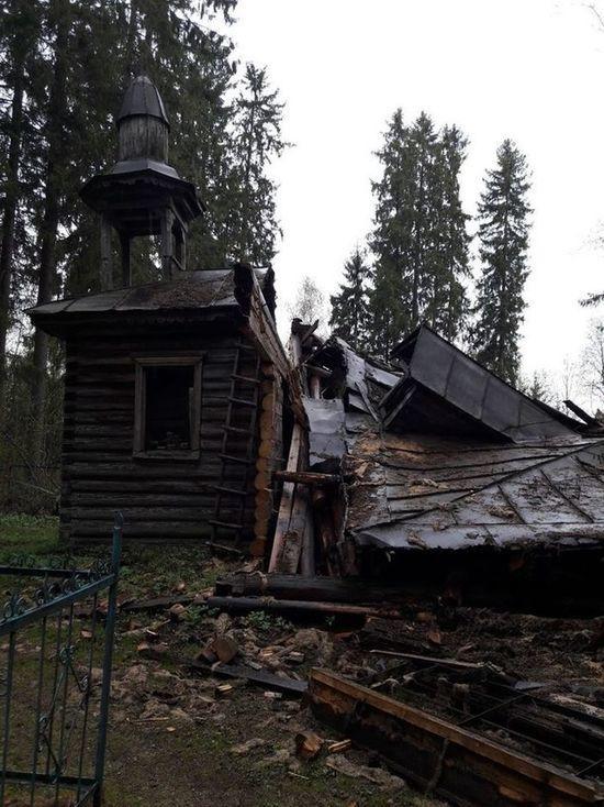 Обрушилась уникальная для Тверской области кладбищенская церковь