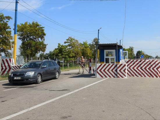 Эксперт объяснил, зачем Зеленскому торговый хаб на границе с Крымом