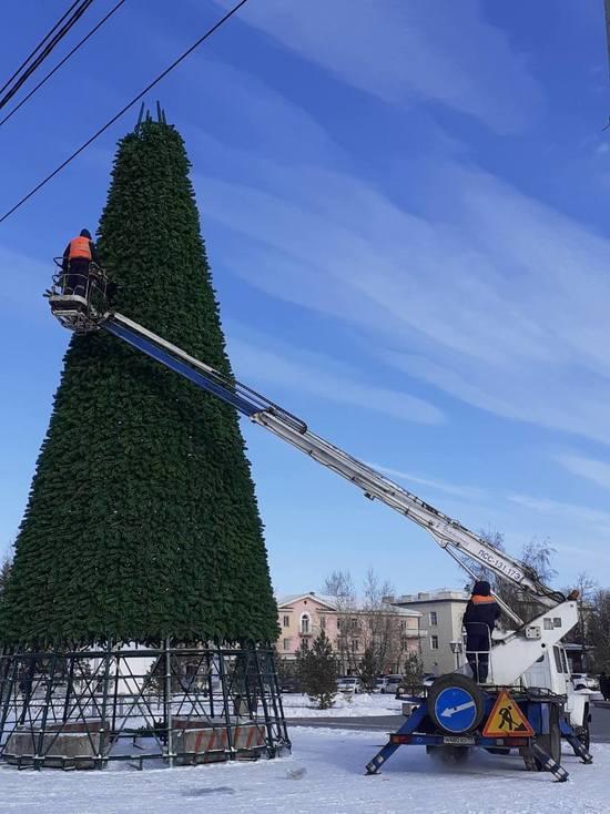 В столице Тувы собрали главную новогоднюю елку
