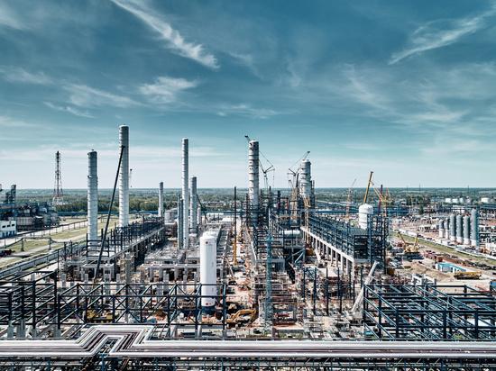 Омский нефтезавод завершил первый этап строительства