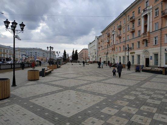 Не все элементы благоустройства, установленные на площади Ленина в 2018-м году, выдержали год со времени монтажа