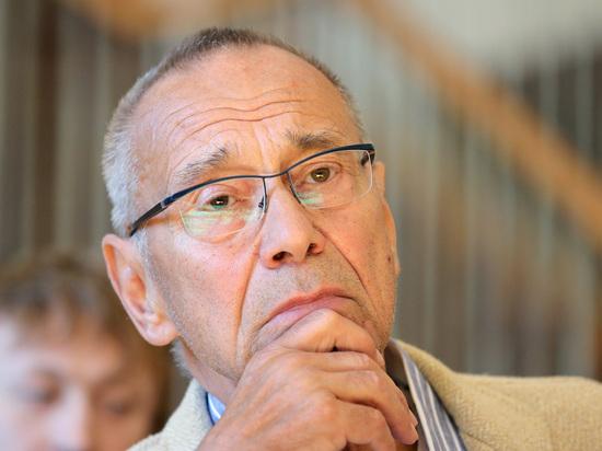 Кончаловский рассказал о пережившей кому дочери Маше