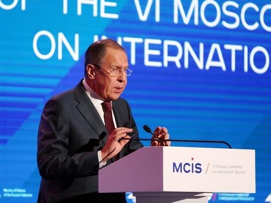 Лавров рассказал, чего Россия ждет от Зеленского на нормандском саммите