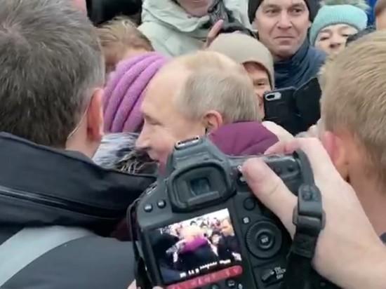 Владимир Путин вернулся к заплакавшей бабушке