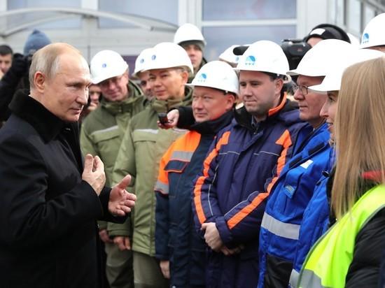 Путин обрадовался мороженому на открытии трассы Москва-Петербург